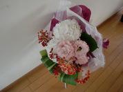 トルコギキョウとハランの花束