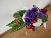 トルコギキョウとハランの花束2