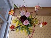 チューリップとさんごみずきの花束