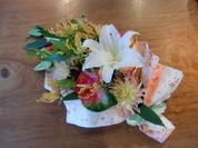カサブランカとグロリオサの花束