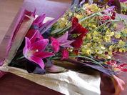 ユリとオンシの花束