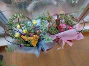 チューリップとサンゴミズキの花束2