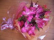 ユリとグロリの花束