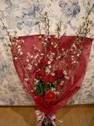 桜赤バラ花束